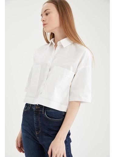 DeFacto Basic Oversize Fit Yarım Kollu Crop Gömlek Beyaz